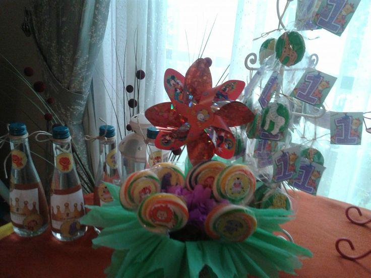 Safari doğum günü organizasyonu-lolipoplar,su şişeleri,masa süslemesi  FOTOĞRAFLAR - www.hanieldavetveorganizasyon.com