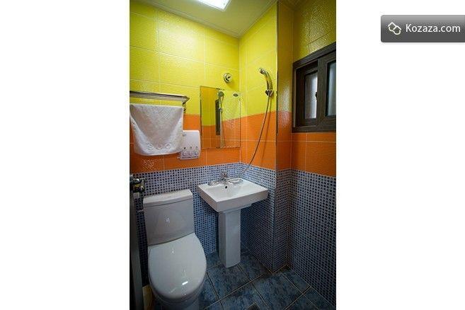 Room G - bath room