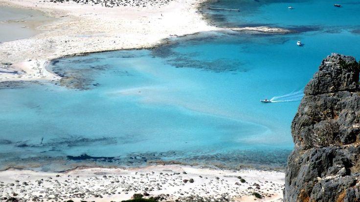 Creta Grecia: le spiagge organizzate del lato nord, il mare selvaggio della costa sud