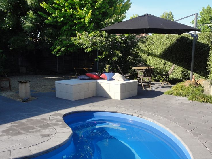 Freestone ECO Outdoor Day Bed and Pool Area