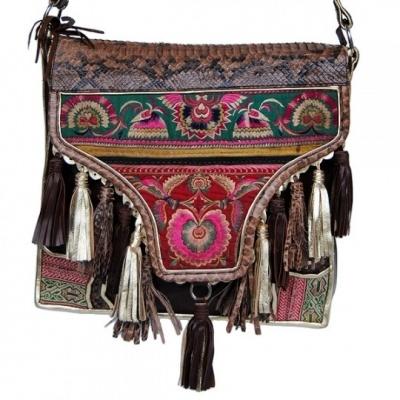 loooove this satchel