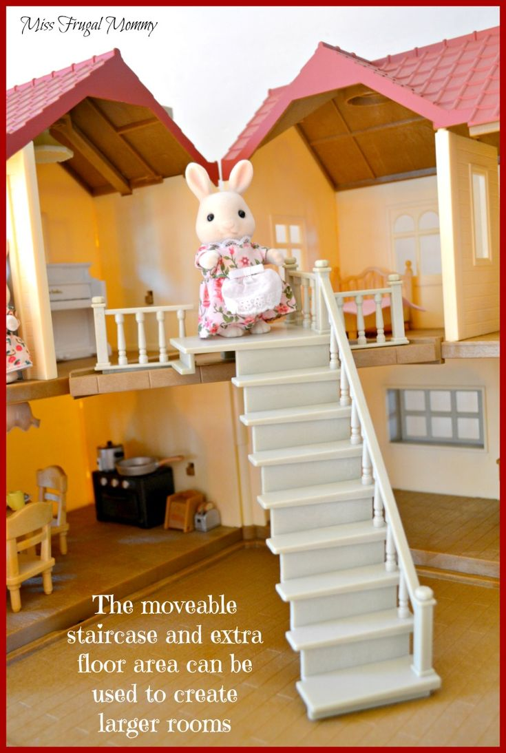 Encouraging Imaginative Play With The Calico Critters Cloverleaf Townhome