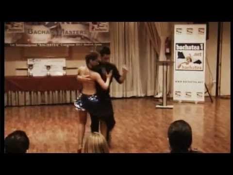 Campeones del mundo de Bachata Daniel y Desireé. Primer baile, improvisación. - YouTube