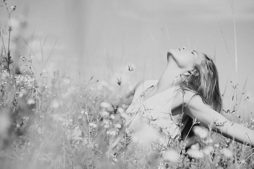 wind: Feelings Good Pictures, Flowers Fields, Fields Of Flowers, Girls Photography, Inspiration Photo, Flowers Gardens Girls, Feelings Free, Photography Ideas, Double Chin