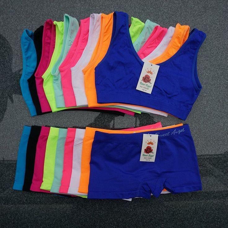 Deze populaire microfiber meisjes setjes hebben we in nieuwe kleuren! Verkrijgbaar als setjes losse boxers of losse topjes. Bekijk ze op de markt of in onze webwinkel.  Welke kleur vind jij het gaafst?