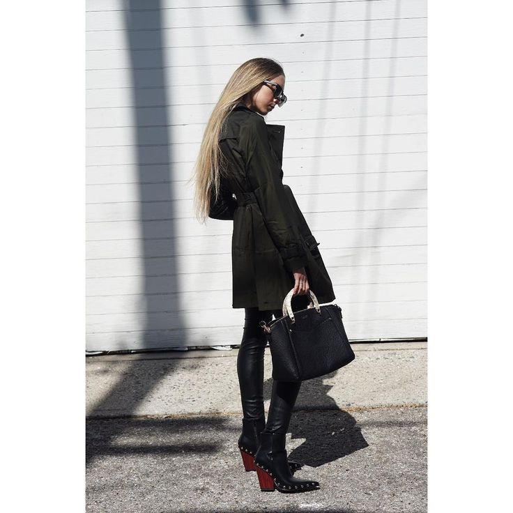 christengerhartThis look is up on my blog, check it out ✌️️ CASSE | # All Shoes # High Heels# Boots#STREET FASHION #BLACK AND WHITE#jessicabuurman @Jessica Buurman @instagram