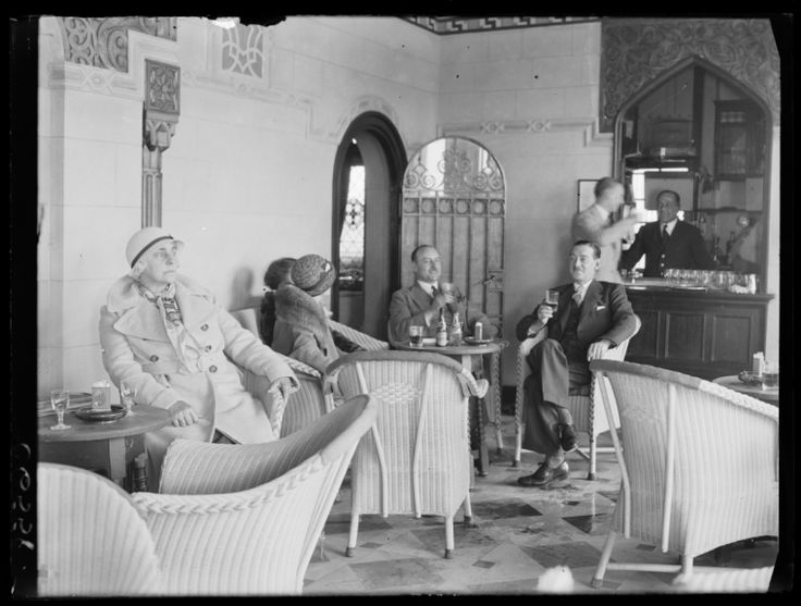 A bar (there are ladies!) on the Viceroy of India