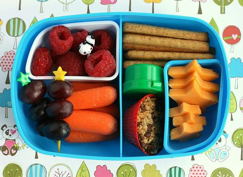 I would have been the coolest Mom ever if I'd thought of these for school lunches! Cute and healthy. What kid wouldn't love it?