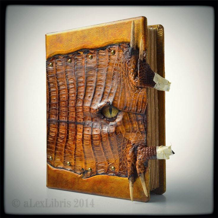 alexlibris-bookart: New project in work phase…House Targaryen Journal - 10 x 8 inches - thickness 1.5 inches - genuine alligator leather - glass eye - chains - dragon claws closure system - etc._________http://www.alexlibris-bookart.com/