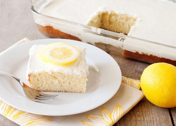 lemonade cake: Cakes Mixed, Desserts Recipe, Frozen Lemonade, Yummy Desserts, Yummy Sweet, Yummy Food, Lemonade Cakes, Sheet Cakes Recipe, Baking Bree