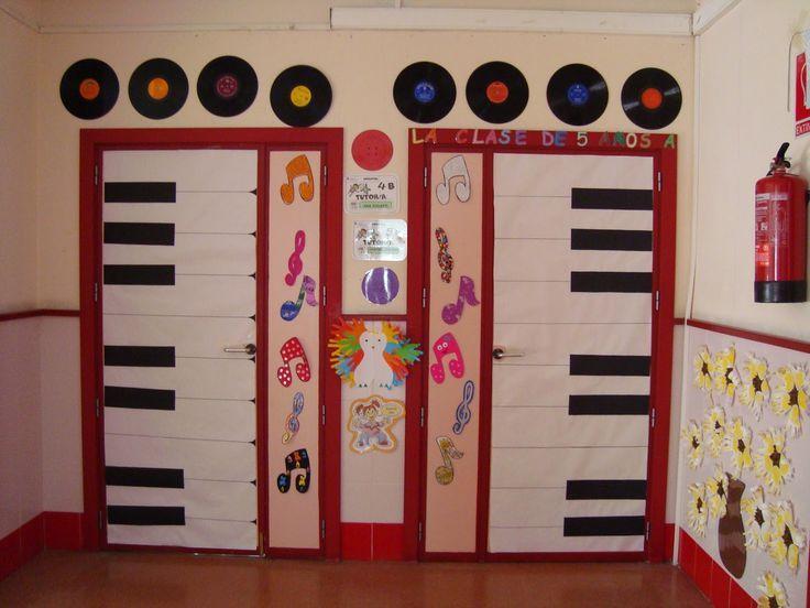 Resultado de imagen de decorar puerta aula musica con ventana
