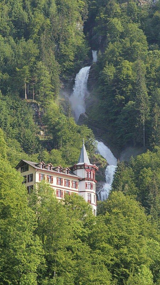Giessbach Vodopady Svajciarsko Vodopady Nasej Krasnej Planety V Roku 2019 Vodopady A Svajciarsko