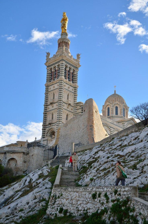 http://www.notredamedelagarde.com - [English] [Français] [Italiano] - Basilique Notre-Dame de la Garde Tél  : +33 (0)4 91 13 40 80 -  Fax : +33 (0)4 91 37 28 99 - Address : Rue Fort du Sanctuaire - 13281 MARSEILLE Cedex 06