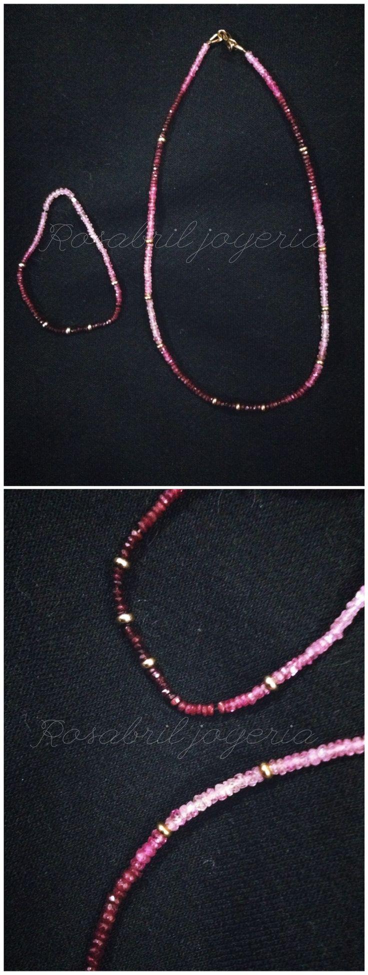 Piedra Turmalina rosa, collar y pulsera. Detalles en oro laminado. Accesorios, joyeria.