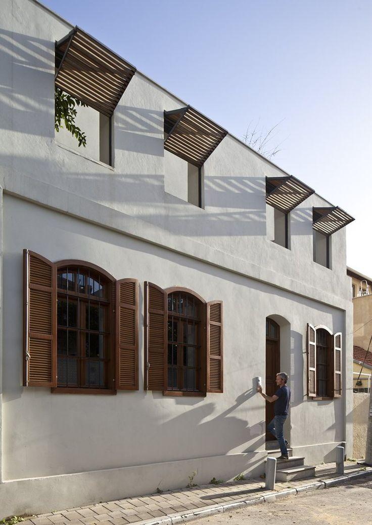 geniale... la tapparella che diventa brise-soleil! v-house-contemporary-mediterranean-villa