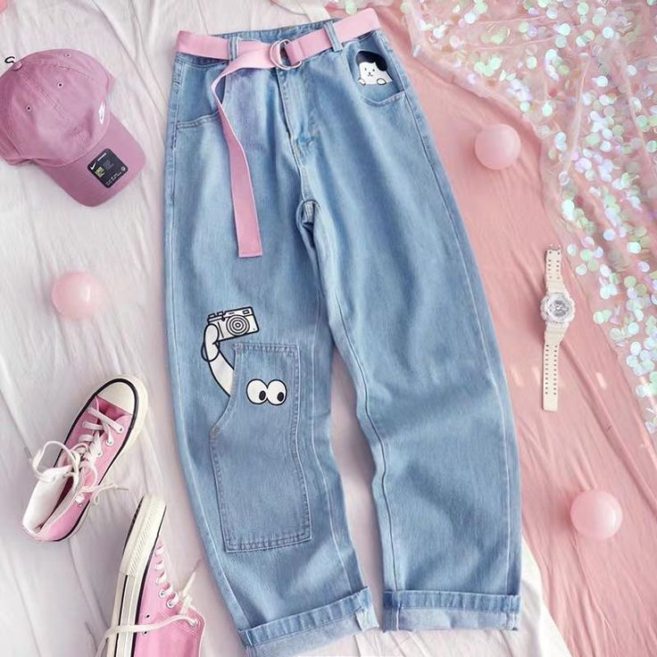 Women denim pent With belt Size:- S to L Price:- 1350 +ship Kawaii Fashion, Cute Fashion, Look Fashion, Korean Fashion, Girl Fashion, Fashion Beauty, Girls Fashion Clothes, Fashion Outfits, Retro Outfits