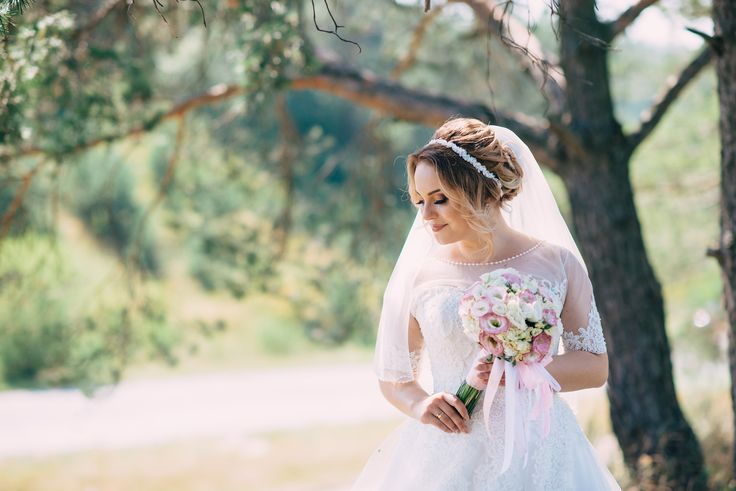 In the modern-day world, weddings are one of the few occasions where where etiquette and tradition still play a huge role in how things are done, and so many c
