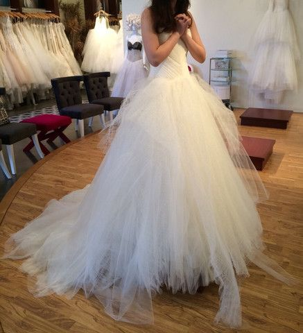 30096 best images about wedding dresses on pinterest for Nearly new wedding dresses