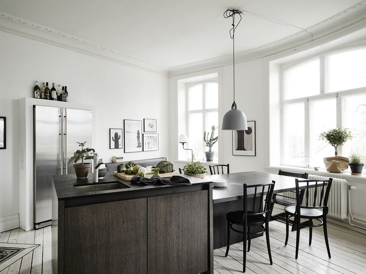 Small apartment with a big kitchen island