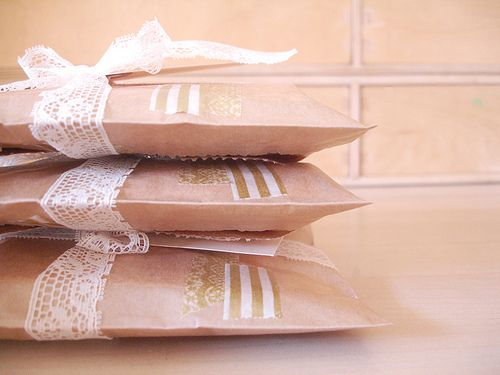 Lace and washi tape <3Brown Paper Bags, Crafts Ideas, Packaging Things, Gift Ideas, Client Gift, Gift Wraps, Hello Friends, Pretty Packaging, Packaging Ideas