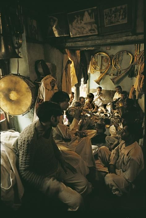 Inside a trumpeters' coffehouse, Lahore, 1983.  [Credit:Ara Güler]