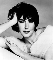 """Helen Reddy - Australian-born singer with his in the '70's, including the anthem """"I Am Woman."""" She covered to Judaism before marrying her second husband, Jeff Wald."""