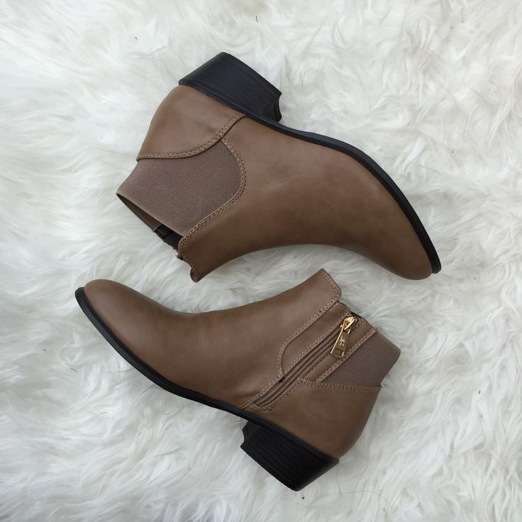 Chels Boot - Taupe
