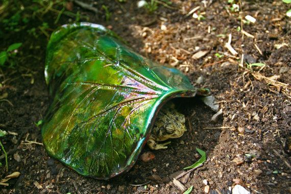 Rhubarb leaf toad house metallic multi colored raku for Make your own toad house