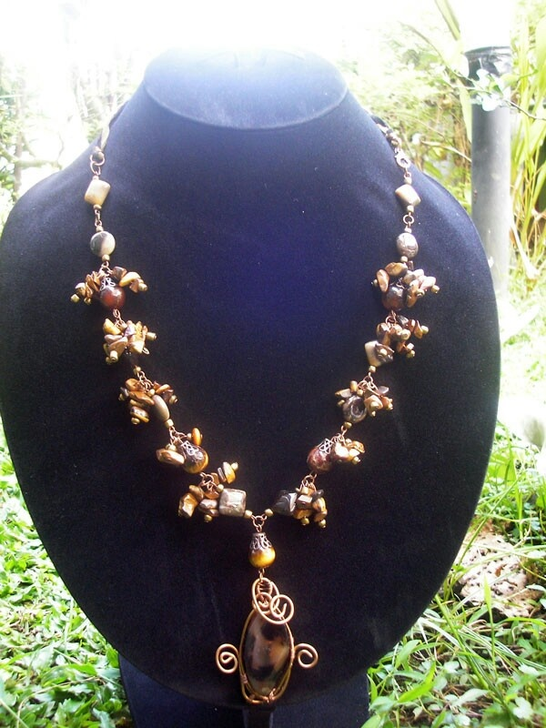 Brownish Stone Wired Necklace