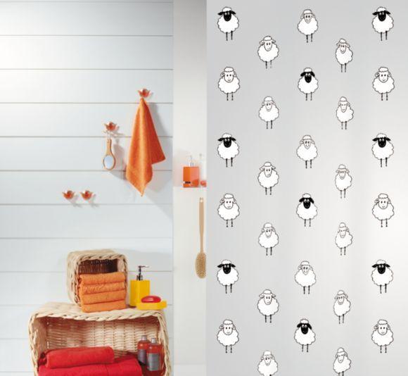 """""""Dieser Duschvorhang entpuppt sich als wahrer Hingucker in Ihrem Bad: Lustige Schafe werten Ihre Dusche oder Ihre Badewanne sympathisch auf und machen die morgendliche Hygiene noch angenehmer. Der wasserundurchlässige, blickdichte Kunststoff erfüllt Ihre Ansprüche garantiert."""""""