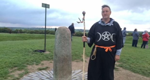 Hundreds mark summer solstice at Hill of Tara Summer Solstice 2015  #SummerSolstice2015