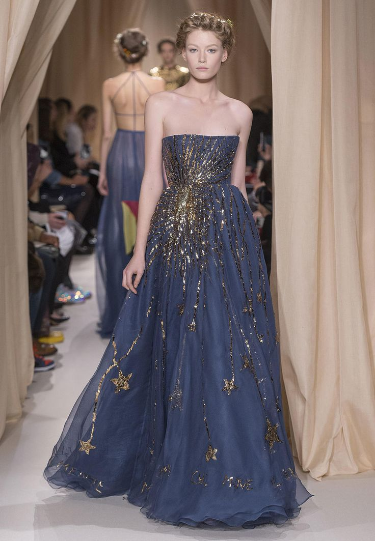 32 best Valentino images on Pinterest | High fashion, Evening gowns ...