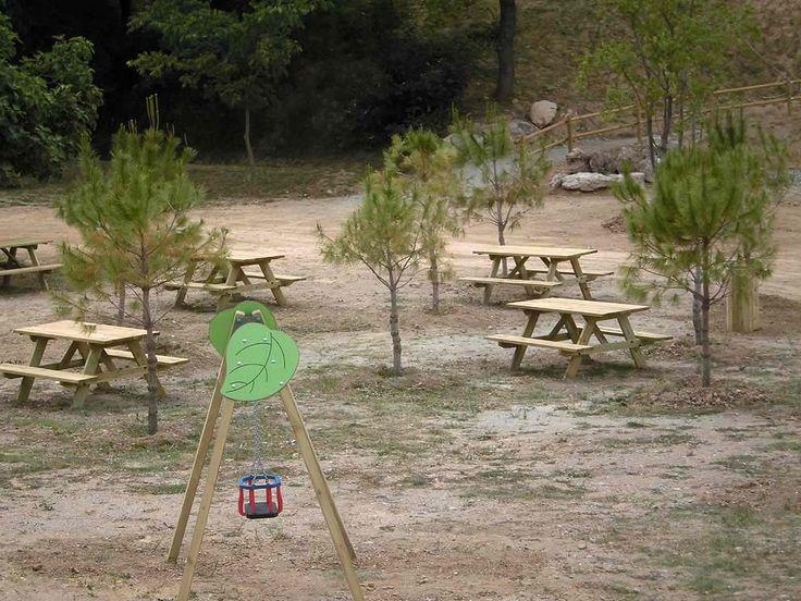 L'Ajuntament de Masquefa ha inaugurat aquest espai públic on conflueixen la natura, la convivència i l'esbarjo. Els jocs i l'equipament urbà són de Happyludic.