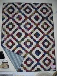 Resultado de imagem para drunkards path quilt pattern
