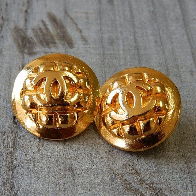 http://item.rakuten.co.jp/lavish-g/button-02093/