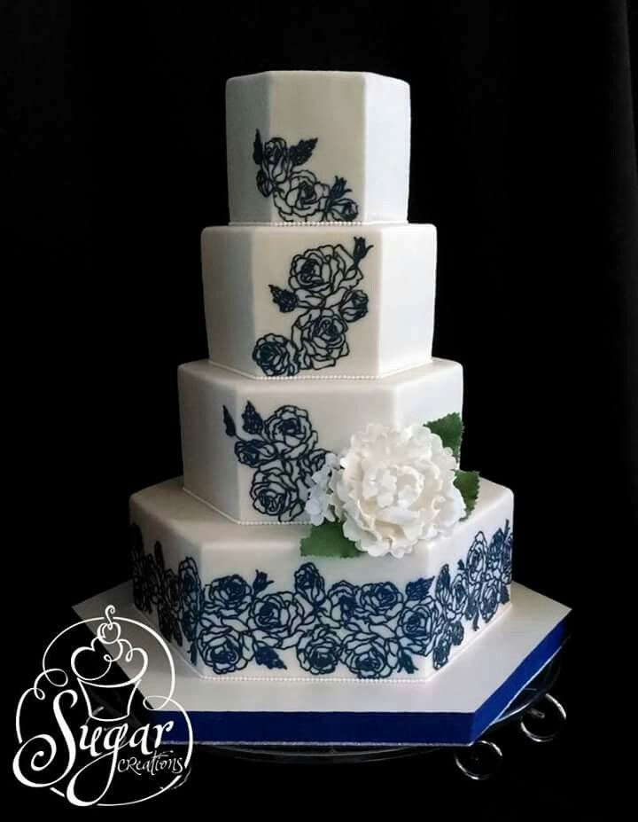Blue roses on hexagon cakes