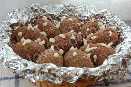 """Пирожные """"Картошка""""  для крема:  слив. масло 220 г  сах. пудра 7 ст.л."""