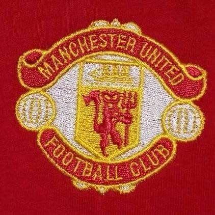 Old Manchester United Badge.....