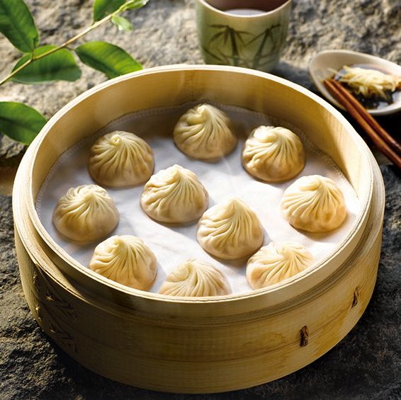 November 23, 2012 Interview with Din Tai Fung: Secrets Behind Taiwan's Infamous Soup Dumplings BY WENDY HUNG