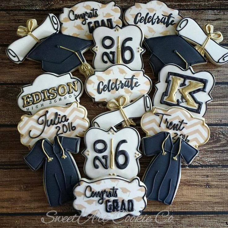 Graduation cookies. These were part of a set for a party for 2 high school grads! Stencils used were from @hillaryramos and @artfullydesignedcreations #customcookies #graduationcookies #graduationgifts #gradcapcookies #capandgown #capandgowncookies #highschoolgraduation #blackandgoldcookies #airbrushedcookies #edsionhighschool #kinghighschool