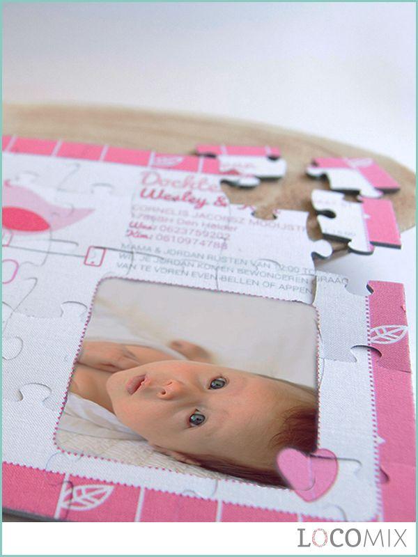 Zijn jullie op zoek naar het allerleukste geboortekaartje? Wat dachten jullie van deze originele Puzzel Geboortekaart? Deze linnen puzzel kan geheel gepersonaliseerd worden met een foto van jullie kleintje, geboorte informatie en een bestaand of eigen ontwerp. Bekijk snel wat er allemaal mogelijk is op LocoMix.nl en laat je verrassen!