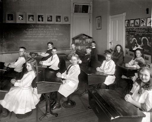 Kids in school in 1910.