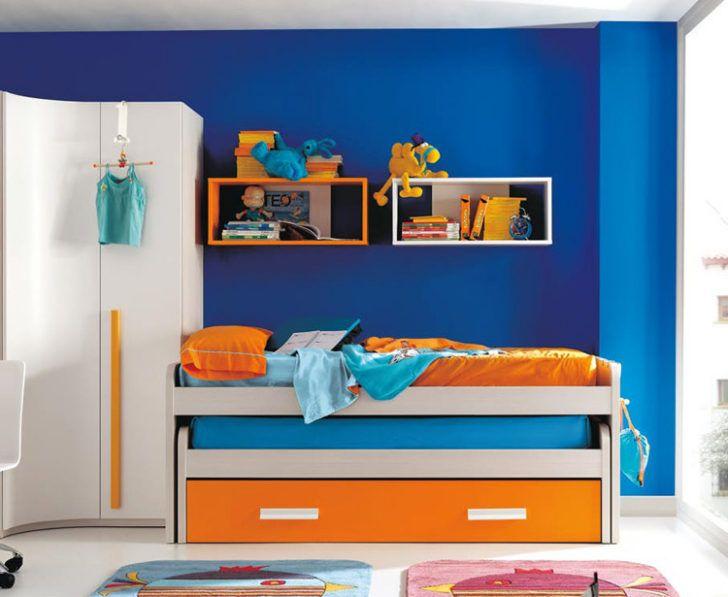 Dormitorio azul y naranja  Habitacin  Hombres