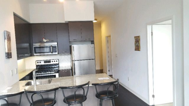 Five star facilities, furnished, all amenities included, in downtown Mississauga, steps from Sheridan college, living Arts, YMCA, main central library, city hall, Square one mall. Located in the award winning Daniel developers! Both short term and long term options available. Have to have stable...