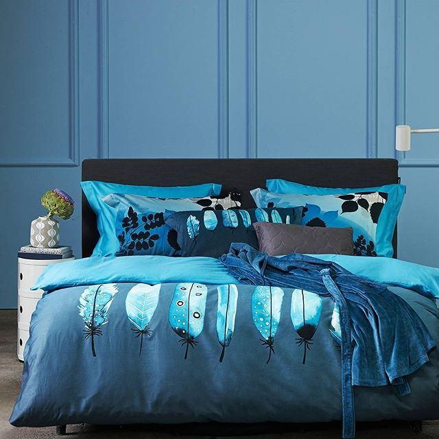 De nieuwe najaar/wintercollectie van het Nederlandse bed- en badmodemerk Vandyck (sinds 1923) is sterk geïnspireerd door natuurlijke vormen en kleuren. Met speciale aandacht voor nachtblauw, de trendkleur van komend seizoen.