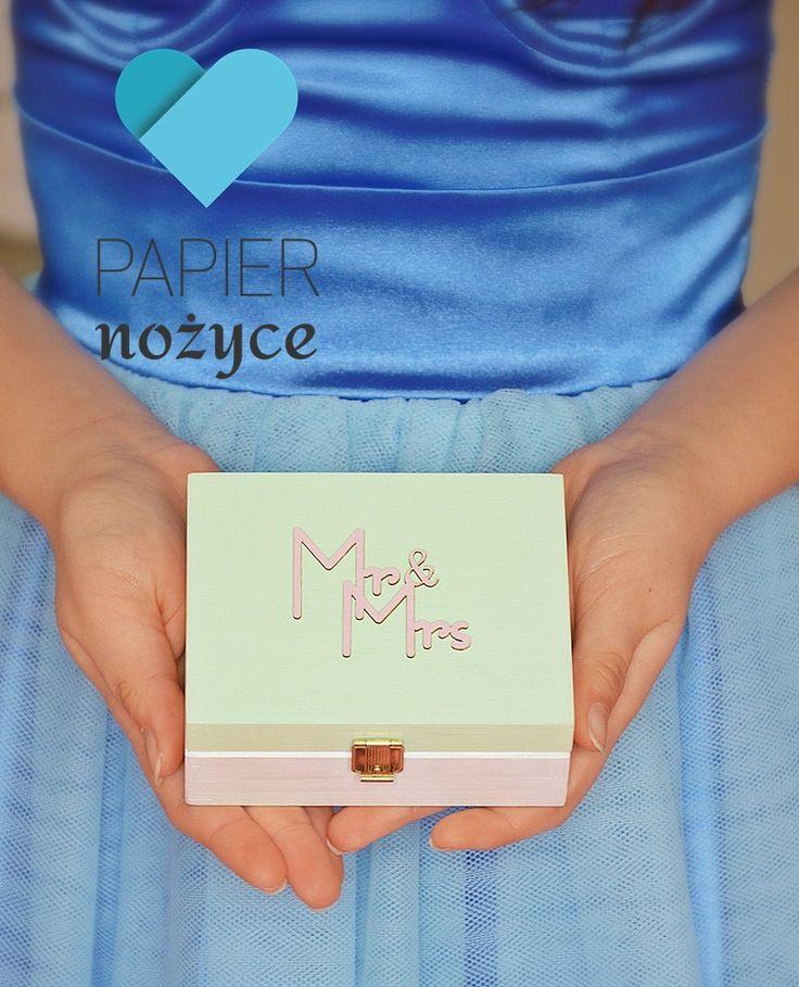 """Personalizowane pudełko na obrączki wzór """"Mr & Mrs"""""""