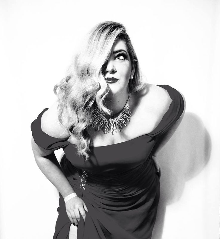 Homage to Jessica Rabbit - Black and White