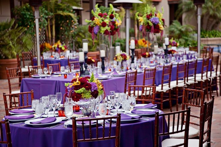 Outdoor Wedding Reception On The Patio At The La Jolla Shores Hotel Purple Table Scape