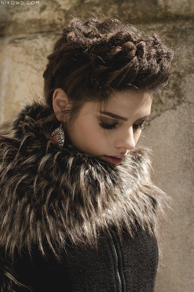Model: Nenadov Nenna Photo: Spiridon A. Nicoleta Make-up : Debora Brezoi  Hair: Wish Studio Designer : Román Gabrielle