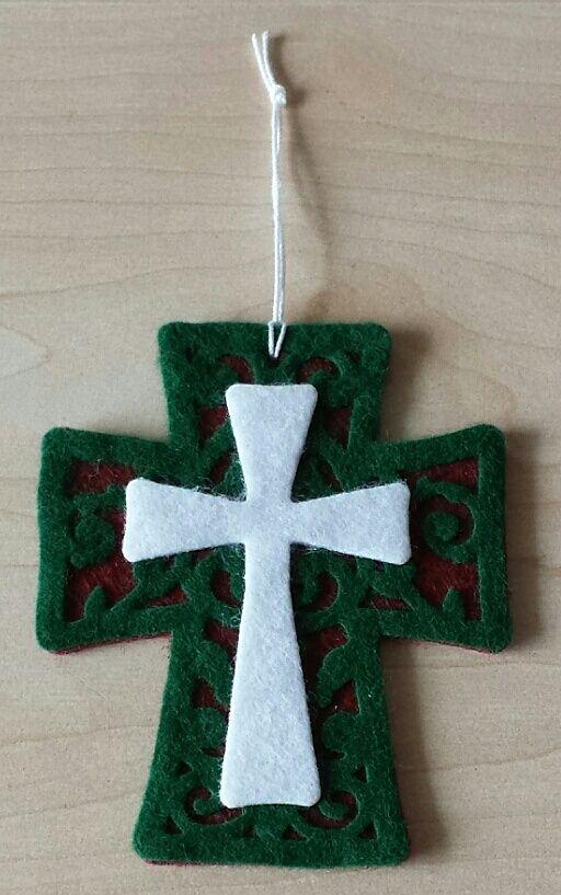 Anhänger mit Kreuz aus Filz, Felt, Spellbinders Crosses